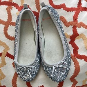Girls shiny silver dress up flat shoes